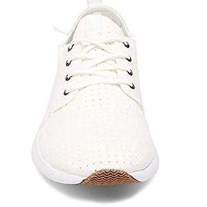Steve Madden BRICK White Lace Up Fashion Shoes